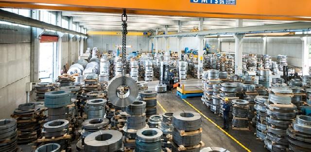 Venda de aço plano por distribuidores sobe 19% em agosto sobre um ano antes, diz Inda